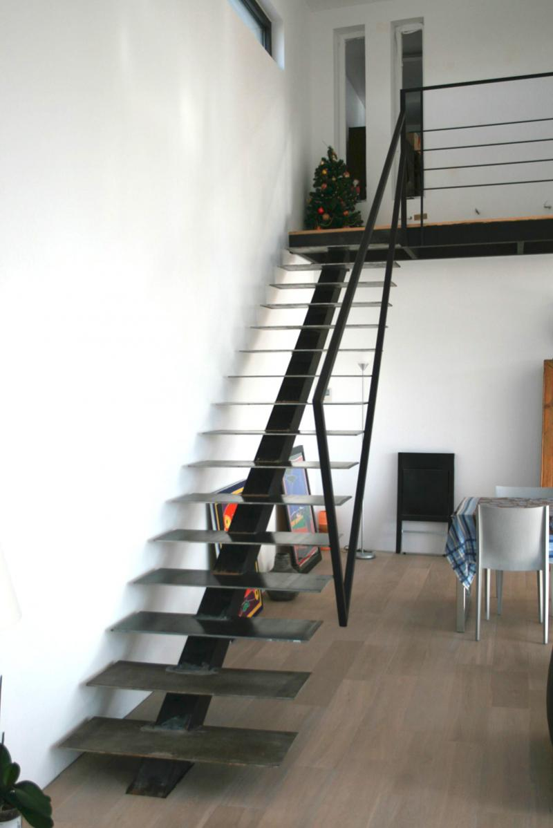 Escalier droit design varela la boutique design - Escalier metallique design ...